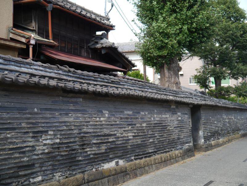 shrine-wall-ueno-tokyo